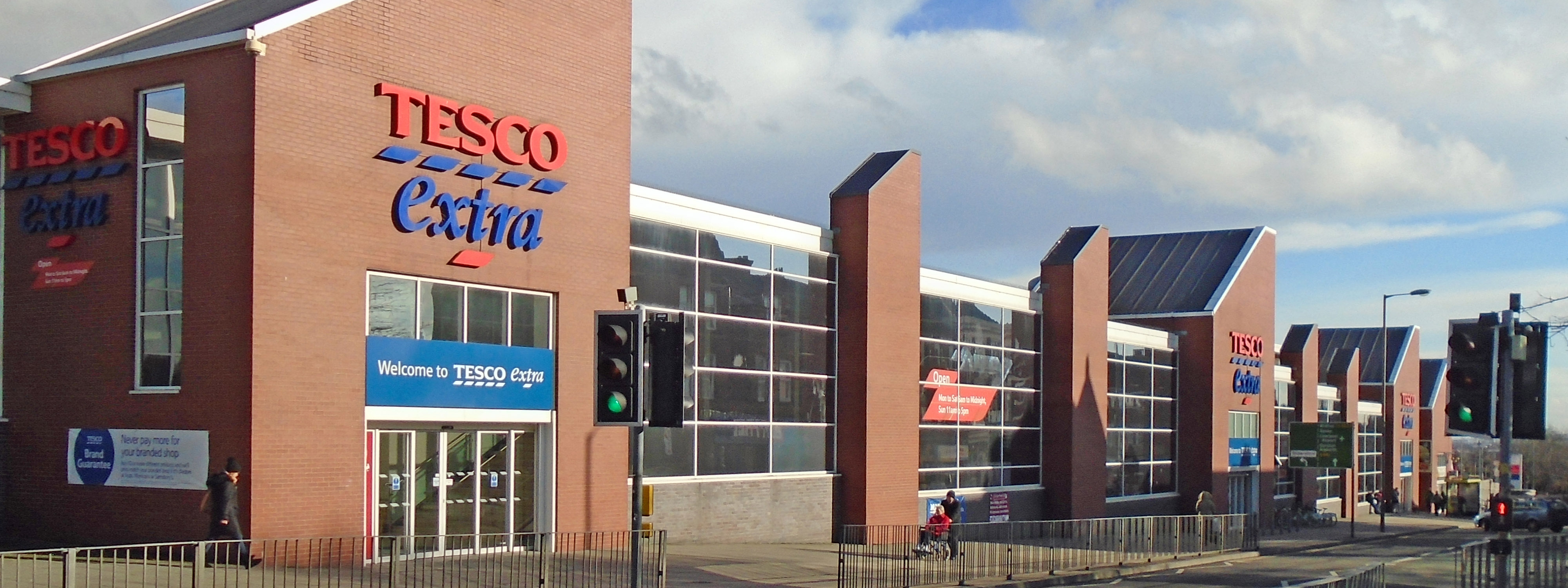 Tesco extra store. Photo: Wikimedia Commons